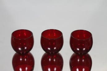 Nuutajärvi Marja lasit, rubiininpunainen, 3 kpl, suunnittelija Saara Hopea, pieni