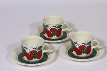 Arabia Kirsikka kahvikupit, punainen, 3 kpl, suunnittelija Inkeri Seppälä, serikuva