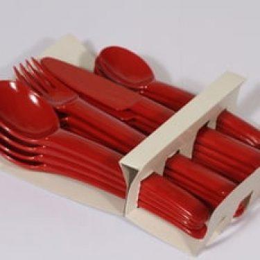 Sarvis Pitopöytä (easy day) aterimet, punainen, 16 kpl, suunnittelija Kaj Franck, muovi