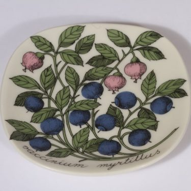 Arabia Botanica koristelautanen, Mustikka, suunnittelija Esteri Tomula, Mustikka, pieni, serikuva
