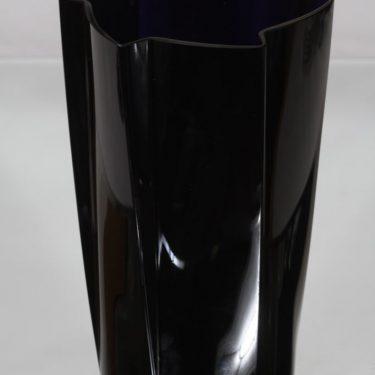Nuutajärvi 1437 maljakko, musta, suunnittelija Harry Moilanen, suuri