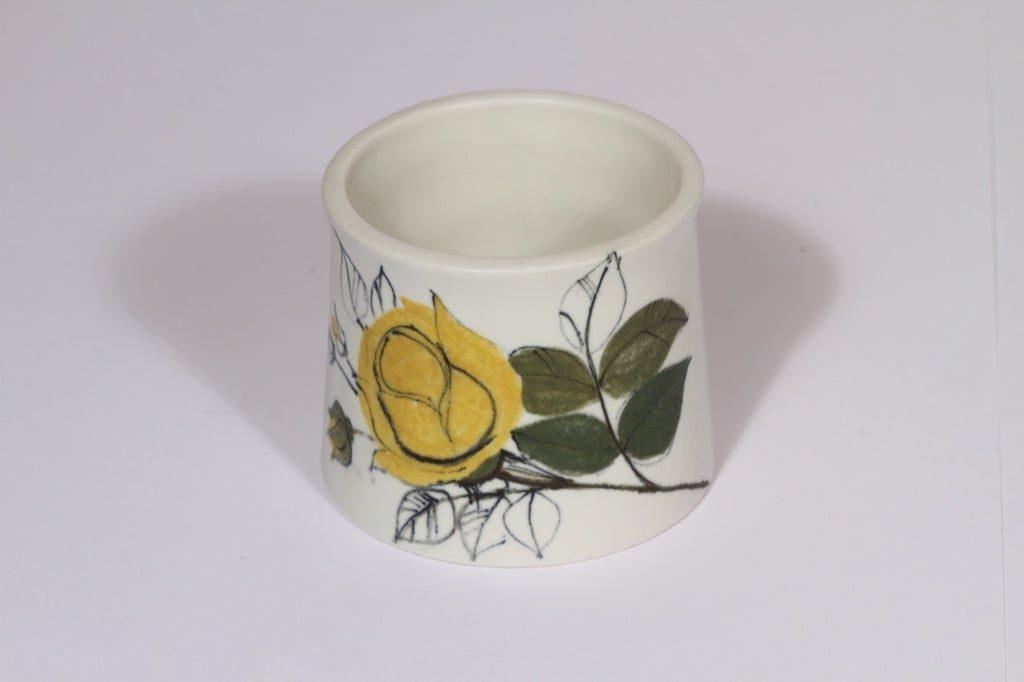 Arabia Kukka maljakko, käsinmaalattu, suunnittelija Hilkka-Liisa Ahola, käsinmaalattu, pieni, signeerattu, kukka-aihe