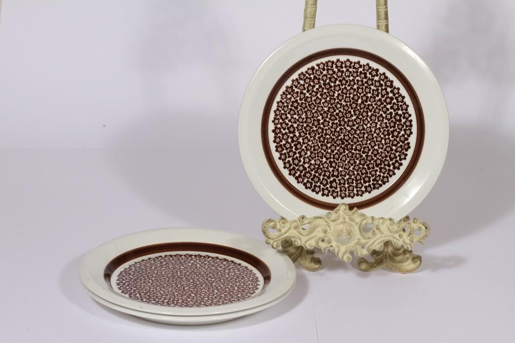 Arabia Faenza lautaset, ruskea, 3 kpl, suunnittelija Inkeri Seppälä, pieni, serikuva