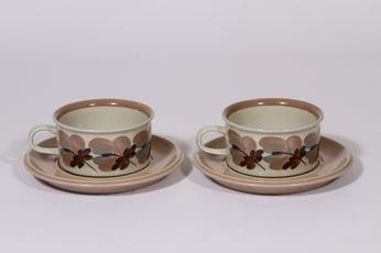 Arabia Koralli teekupit, 27 cl, 2 kpl, suunnittelija Raija Uosikkinen, 27 cl, käsinmaalattu