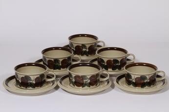 Arabia Ruija teekupit, käsinmaalattu, 6 kpl, suunnittelija Raija Uosikkinen, käsinmaalattu