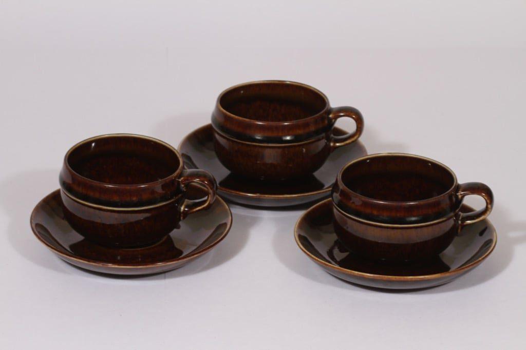 Arabia Mahonki teekupit, ruskea, 3 kpl, suunnittelija Ulla Procope,