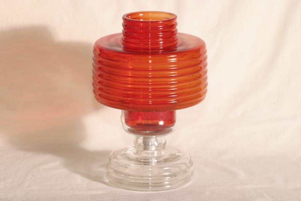Riihimäen lasi Apollo tuikkulyhty, punainen, suunnittelija Nanny Still,