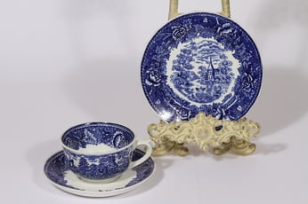 Arabia Maisema teekuppi ja lautanen, sininen, suunnittelija , kuparipainikoriste