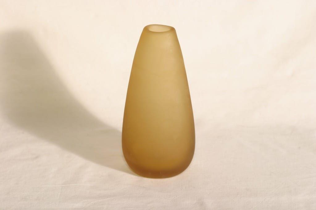 Riihimäen lasi Meripihka maljakko, signeerattu, suunnittelija Nanny Still, signeerattu, 6407-1