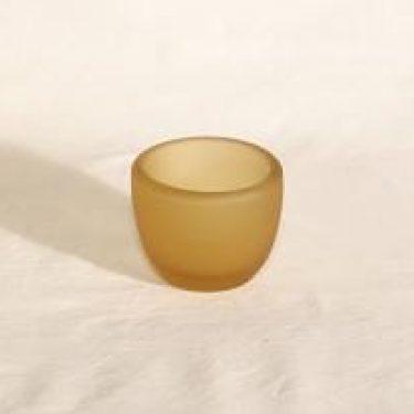 Riihimäen lasi Meripihka savukekuppi, signeerattu, suunnittelija Nanny Still, signeerattu, 6407-4
