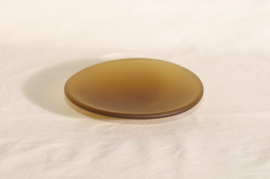 Riihimäen lasi Meripihka tuhka-astia, signeerattu, suunnittelija Nanny Still, signeerattu, 6407-7