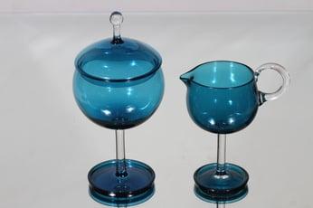Riihimäen lasi Harlekiini sokerikko ja kermakko, sininen, suunnittelija Nanny Still,