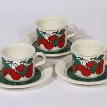 Arabia Kirsikka kahvikupit, punainen, 3 kpl, suunnittelija Inkeri Leivo, serikuva, retro