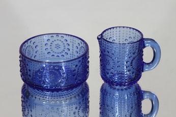 Riihimäen lasi Grapponia sokerikko ja kermakko, sininen, suunnittelija Nanny Still,