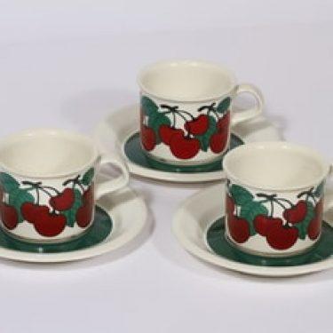 Arabia Kirsikka kahvikupit, punainen, 3 kpl, suunnittelija Inkeri Leivo, serikuva