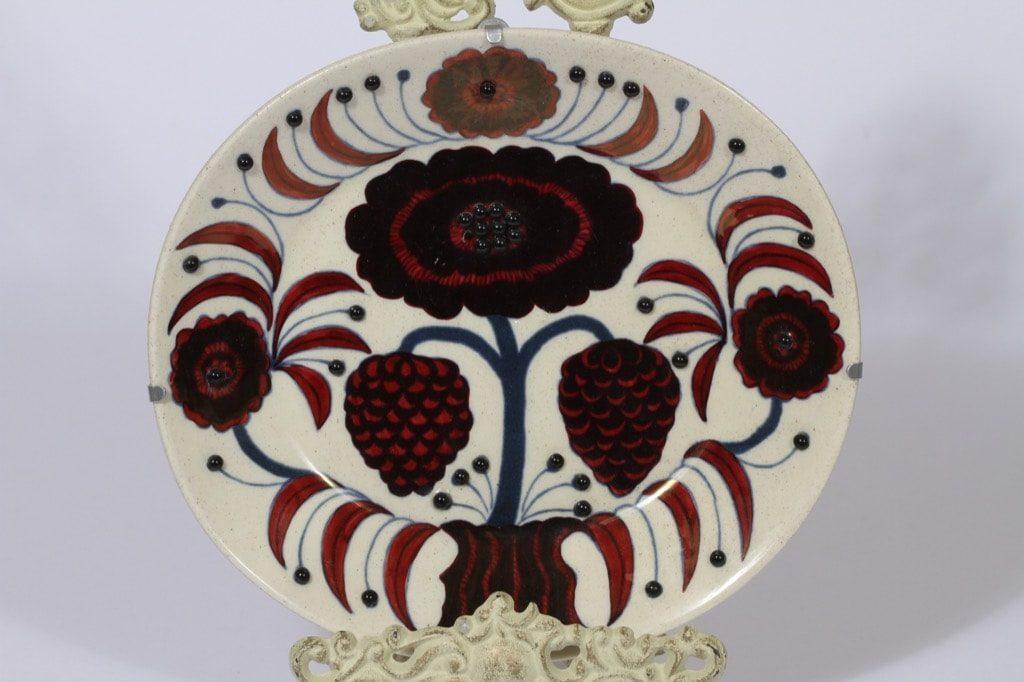 Arabia BK koristelautanen, Rose, suunnittelija Birger Kaipiainen, Rose, helmikoriste, signeerattu, numeroitu