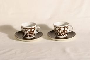 Arabia BR kahvikupit, 2 kpl, suunnittelija Göran Bäck,