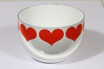 Finel Sydän kulho, punainen, suunnittelija Kaj Franck, serikuva, sydänaihe, retro