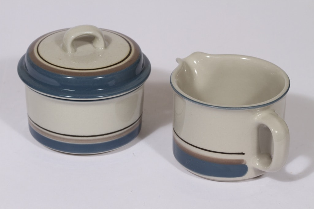 Arabia Uhtua sugar bowl and creamer, Inkeri Leivo