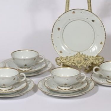 Arabia Apila kahvikupit ja lautaset, 4 kpl, suunnittelija Olga Osol, painokoriste, kullattu
