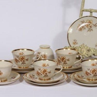 Arabia Myrna kahvikupit ja lautaset, 6 kpl, suunnittelija Olga Osol, serikuva, kukka-aihe