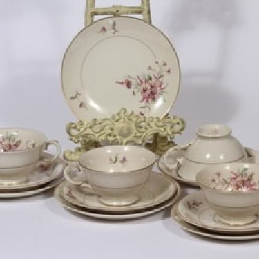 Arabia Maire kahvikupit ja leivoslautaset, 4 kpl, suunnittelija Svea Granlund, siirtokuva