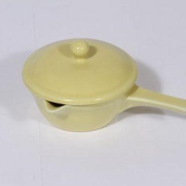 Arabia M voisulakaadin, keltainen lasite, suunnittelija ,