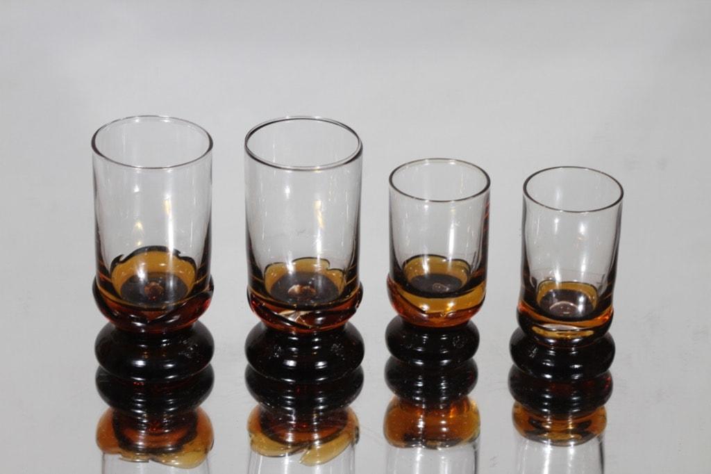 Humppila Kievari lasit, eri kokoja, 4 kpl, suunnittelija Matti Halme, eri kokoja, pieni