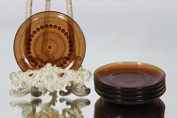 Nuutajärvi Kastehelmi lautaset, ruskea, 5 kpl, suunnittelija Oiva Toikka, pieni