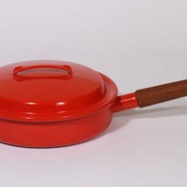 Finel Finella kasari, punainen, suunnittelija ,