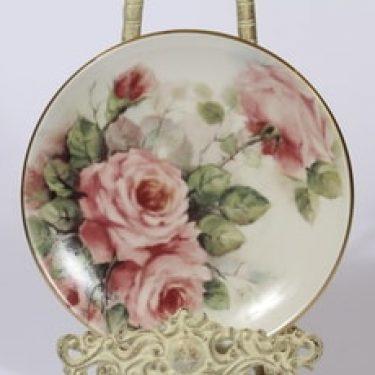 Arabia Romanttinen puutarha koristelautanen, Ruusu, suunnittelija Riikka Hautamäki, Ruusu, serikuva, Ruusu