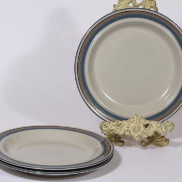 Arabia Uhtua lautaset, matala, 3 kpl, suunnittelija Inkeri Leivo, matala, raitakoriste, matala