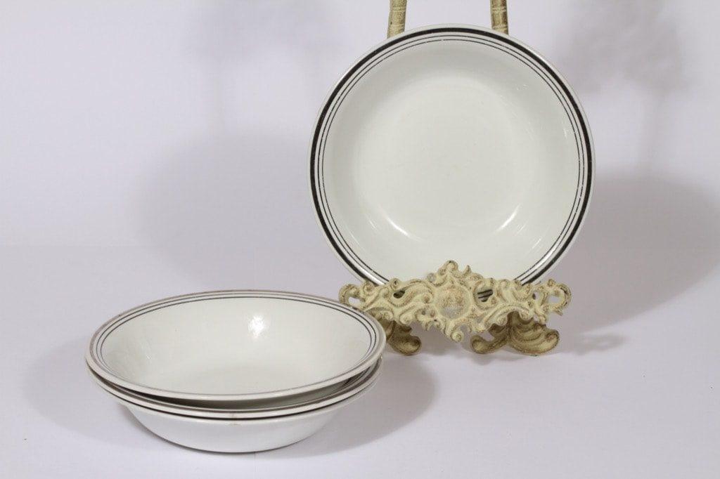Arabia Platina lautaset, syvä, 4 kpl, suunnittelija Raija Uosikkinen, syvä, raitakoriste