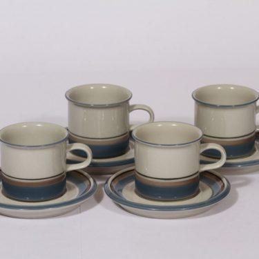 Arabia Uhtua kahvikupit, 4 kpl, suunnittelija Inkeri Leivo, raitakoriste