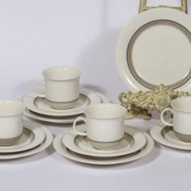 Arabia Arctica Seita kahvikupit ja leivoslautaset, 4 kpl, suunnittelija Raija Uosikkinen, raitakoriste