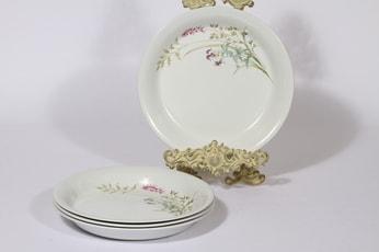 Arabia Pellervo lautaset, 4 kpl, suunnittelija Raija Uosikkinen, matala, serikuva, kukka-aihe