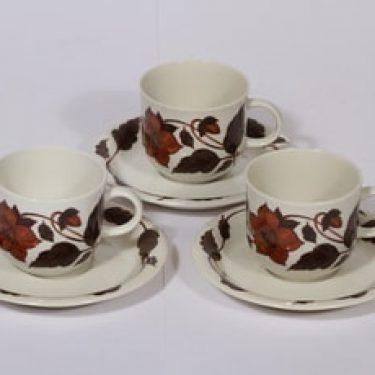Arabia Tea for two kahvikupit, ruskea, 3 kpl, suunnittelija Gunvor Olin-Grönqvist, serikuva