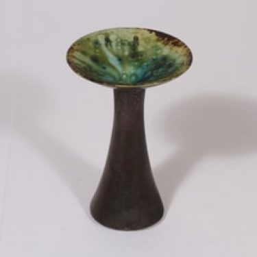Arabia kynttilänjalka, signeerattu, suunnittelija Liisa Hallama, signeerattu, pieni, valulasite
