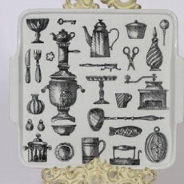 Arabia Antique tarjotin, suunnittelija Esteri Tomula, kuparipainokoriste