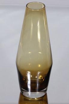 Riihimäen lasi maljakko, amber, suunnittelija Tamara Aladin,