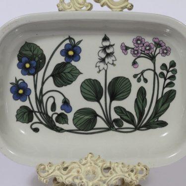 Arabia Flora casserole, designer Esteri Tomula