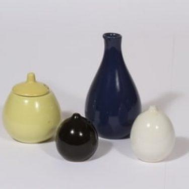 Arabia KA mausteikko, eri värejä, suunnittelija ,