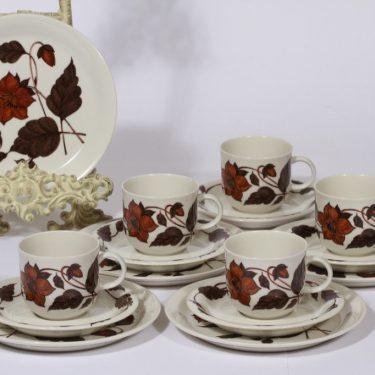 Arabia Cafe kahvikupit ja lautaset, ruskea, 5 kpl, suunnittelija Gunvor Olin-Grönqvist, serikuva