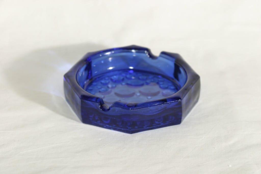 Riihimäen lasi Stella Polaris ashtray, blue, designer Nanny Still