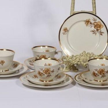 Arabia Myrna kahvikupit ja leivoslautaset, 4 kpl, suunnittelija Olga Osol, serikuva