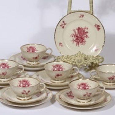 Arabia Regina kahvikupit ja lautaset, punainen, 6 kpl, suunnittelija , serikuva, kukka-aihe