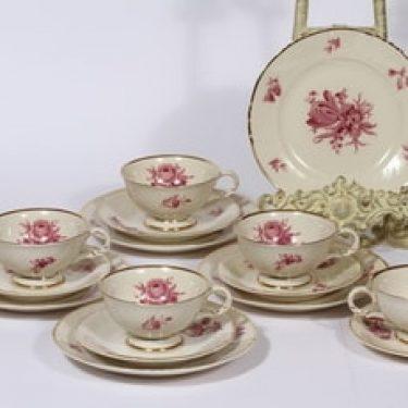 Arabia Regina kahvikupit ja lautaset, punainen, 5 kpl, suunnittelija , serikuva, kukka-aihe