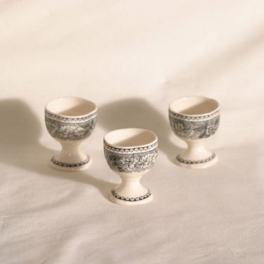 Arabia Maisema munakupit, harmaa, 3 kpl, suunnittelija , kuparipainokoriste