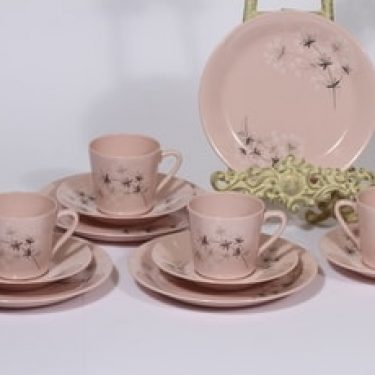 Arabia Lumikukka kahvikupit ja lautaset, vaaleanpunainen, 4 kpl, suunnittelija Raija Uosikkinen, serikuva