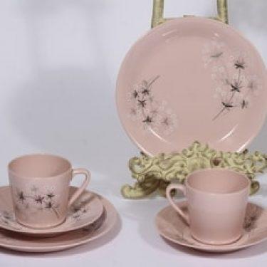 Arabia Lumikukka kahvikupit ja lautaset, vaaleanpunainen, 2 kpl, suunnittelija Raija Uosikkinen, serikuva